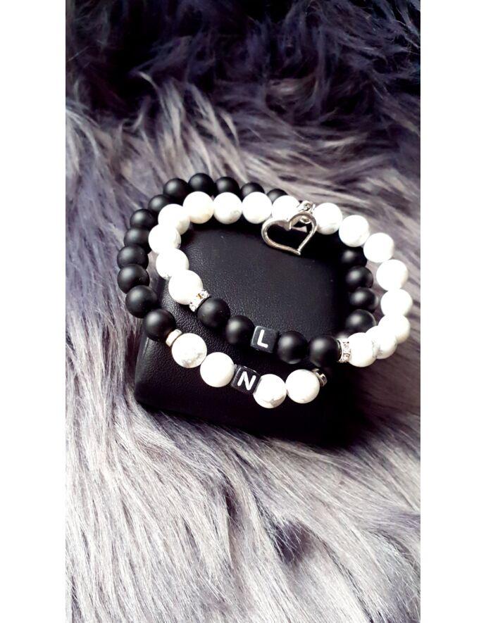 Black & White szerelmi karkötőpár betűkkel_3