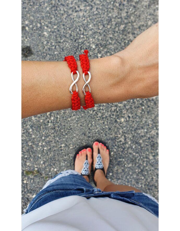 Végtelenjel piros zsinóros pároskarkötő páros karkötő végtelenfonat végtelen makramé karkötő
