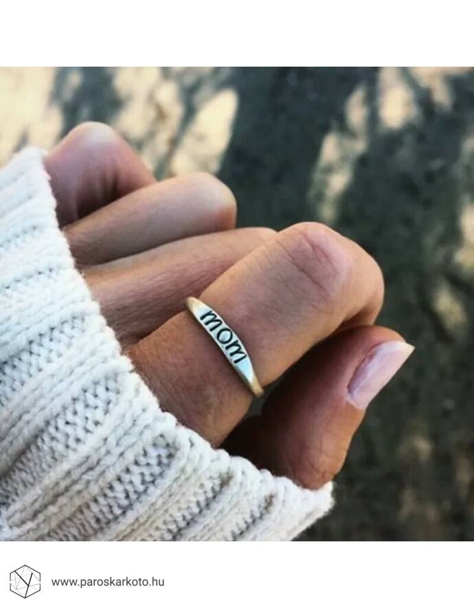 """""""Mom"""" feliratos gyűrű"""