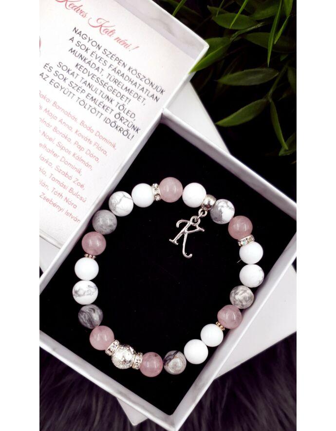 """Díszdobozos búcsú ajándék karkötő betűvel """"rózsaszín"""""""