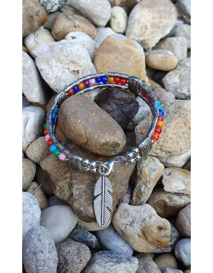 Merev drót karkötő színes gyöngyökkel és toll medállal_2